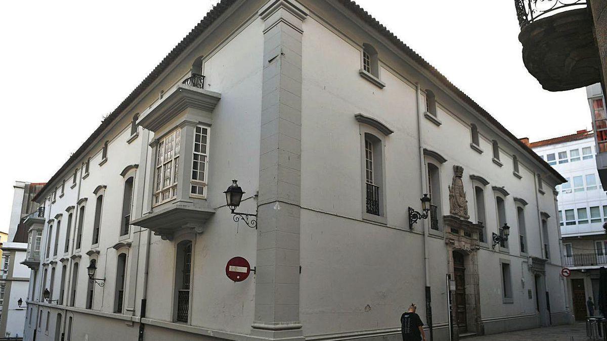 Casa de Veeduría, visto desde la esquina de la calle Damas.