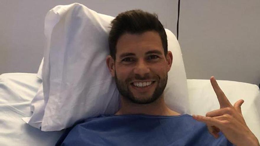 Asiel Mateo, tras su operación en Valladolid