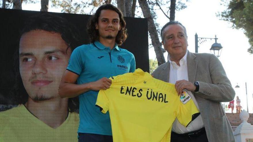 """Enes Ünal: """"Voy a darlo todo por el Villarreal CF"""""""