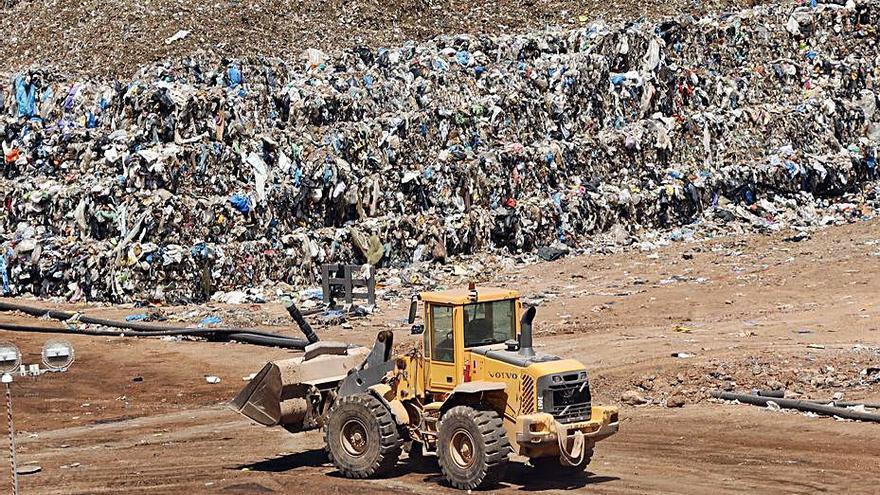 Los vertederos valencianos reciben el doble de residuos que marca la normativa