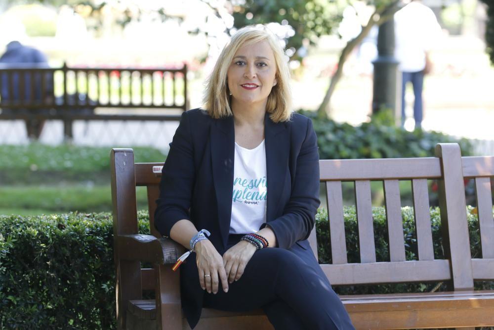 Elena Muñoz Fonteriz  (PP). Licenciada en Ciencias Económicas por la Universidad de Vigo, desde 1999 pertenece a la escala superior de finanzas de la Xunta. En 2012 fue nombrada conselleira de Facenda, cargo que dejó para liderar el Partido Popular de Vigo en 2015.