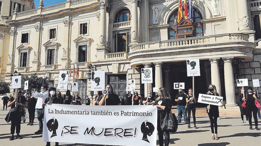Subvencionan con 180.000 euros a los indumentaristas días después de sus protestas