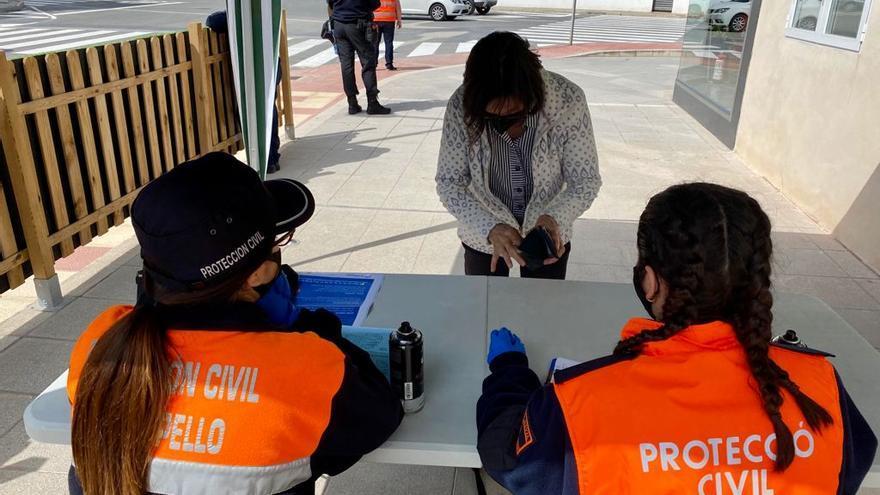 El Campello reanuda el reparto gratuito de mascarillas en Muchavista