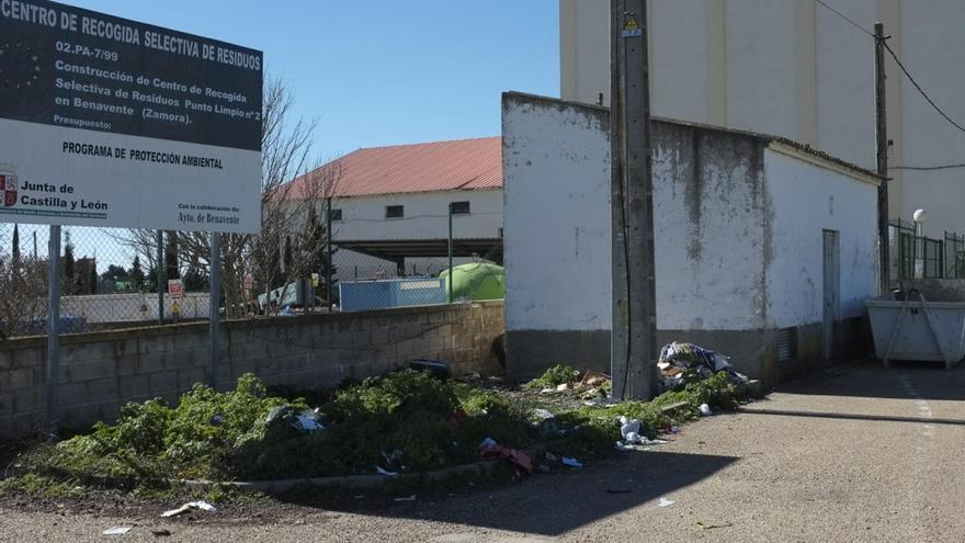 Medio Ambiente denuncia infracciones en el depósito de enseres en los puntos limpios de Benavente