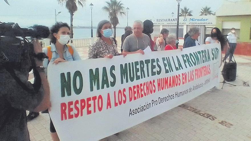 Sigue el 'goteo' de pateras con 62 migrantes más en Cádiz