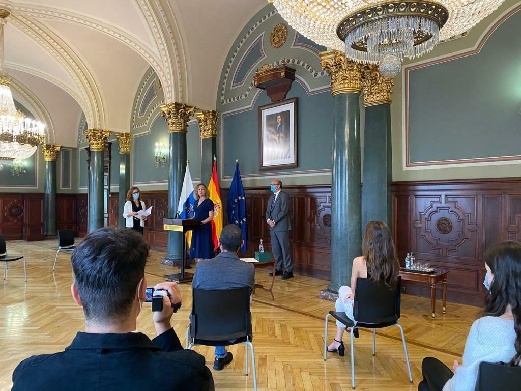 Entrega de los premios meninas por la delegación del Gobierno