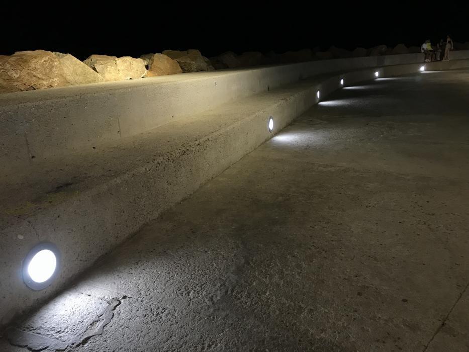 Reparación de luminarias en el paseo Vista Alegre y Juan Aparicio de Torrevieja