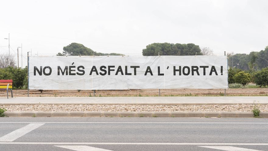 Asociaciones de vecinos y Per l'Horta piden parar la futura rotonda de Benifaraig