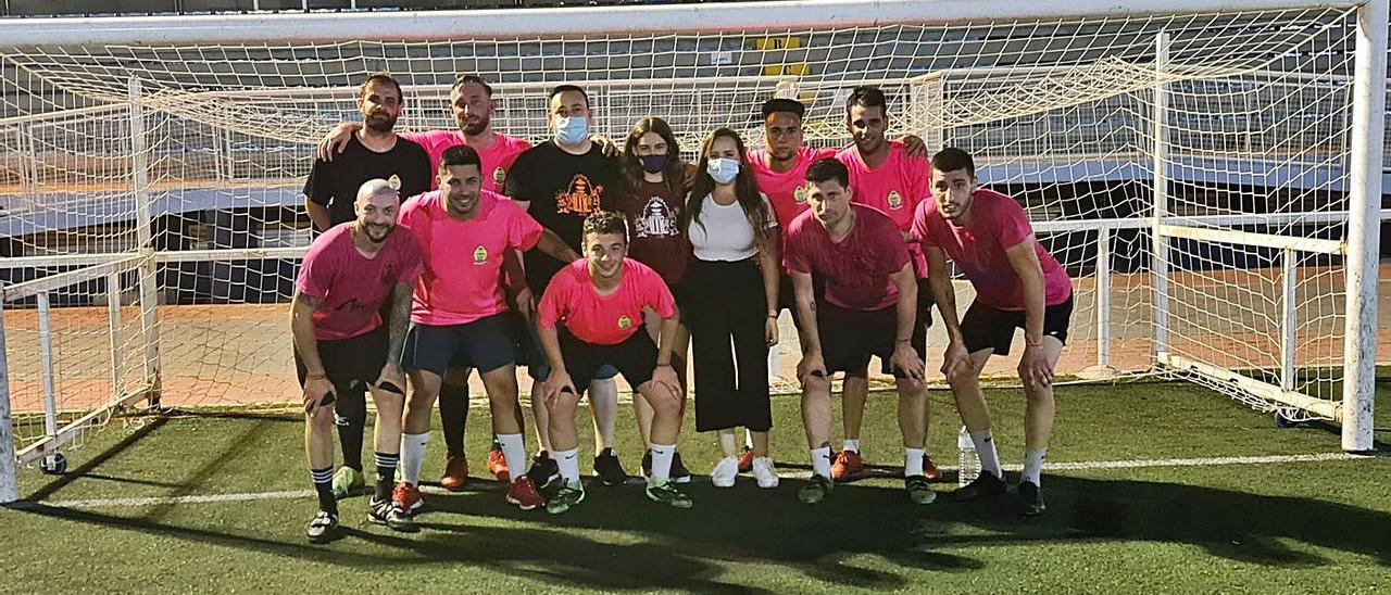 Isaac Peral de Burjassot triunfa en la liga de fútbol 7    L-EMV