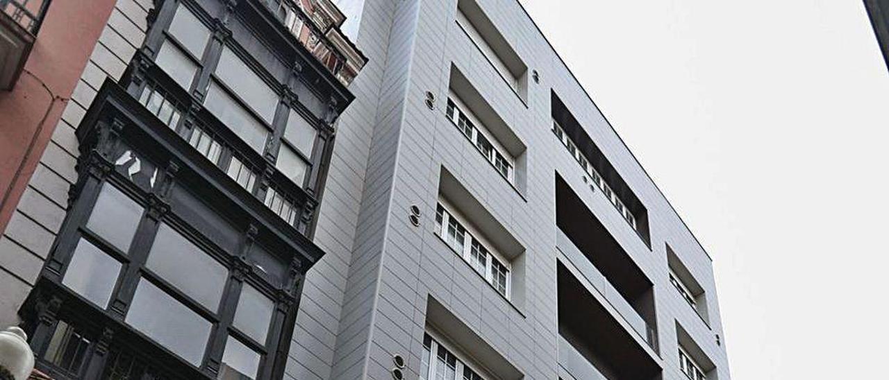 Fachada del hotel 40 Nudos, que cerrará temporalmente en octubre.