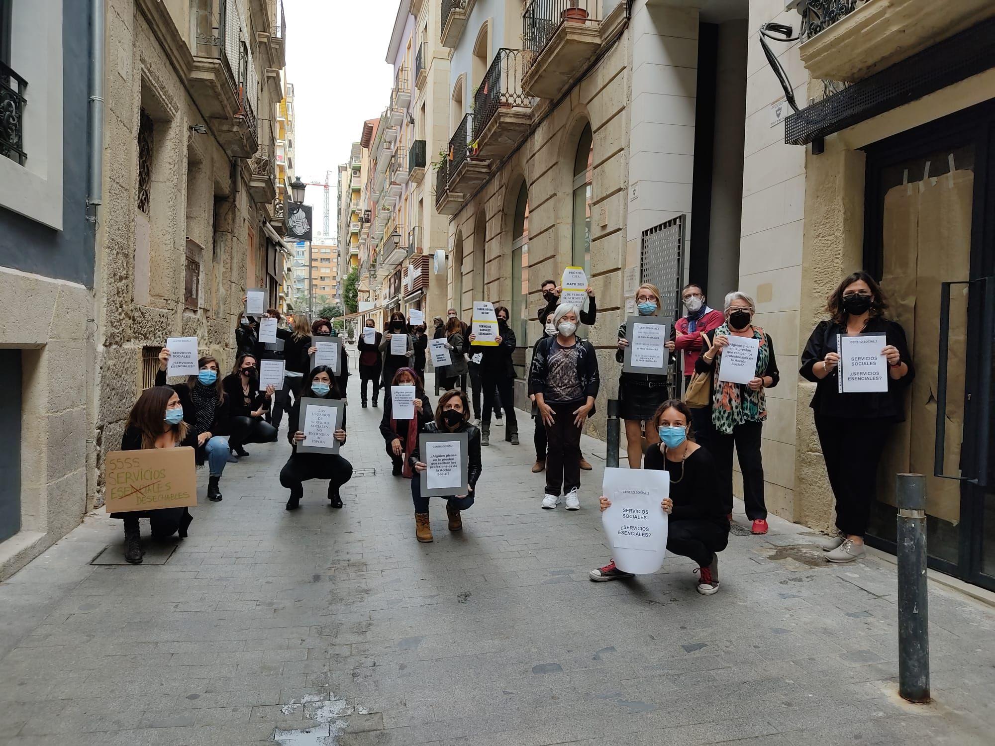 Protesta de los trabajadores de los centros sociales
