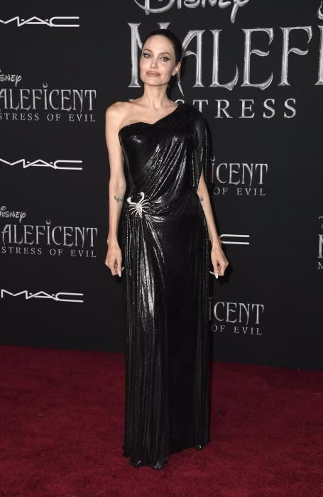 Angelina Jolie y sus cinco looks 'total black' más espectaculares