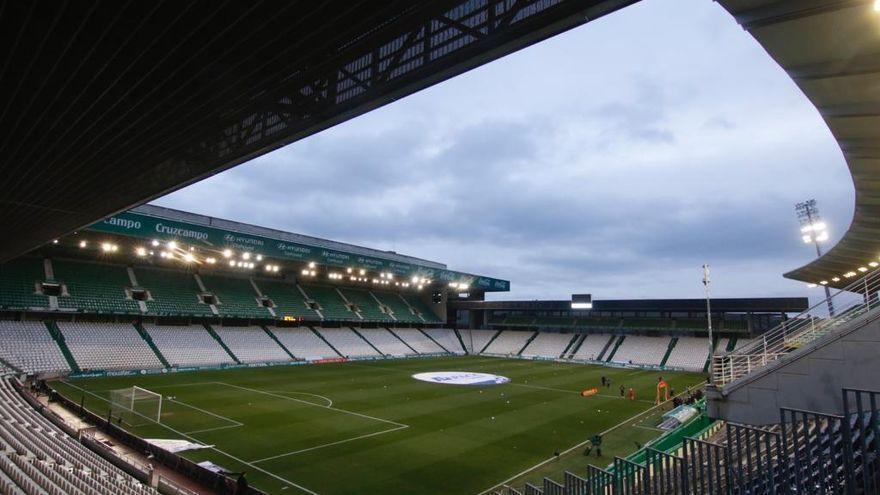 """Aficionados y peñas del Córdoba CF muestran su malestar ante el """"agravio"""" por las limitaciones de El Arcángel"""