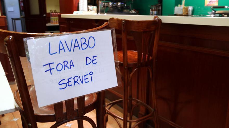 El tancament de bars i restaurants, un malson per als malalts de crohn