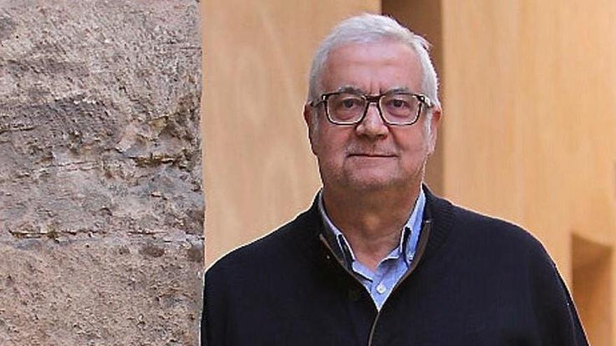 El catedrático de la UIB Damià Pons se jubila y recibe una oleada de mensajes de despedida en las redes