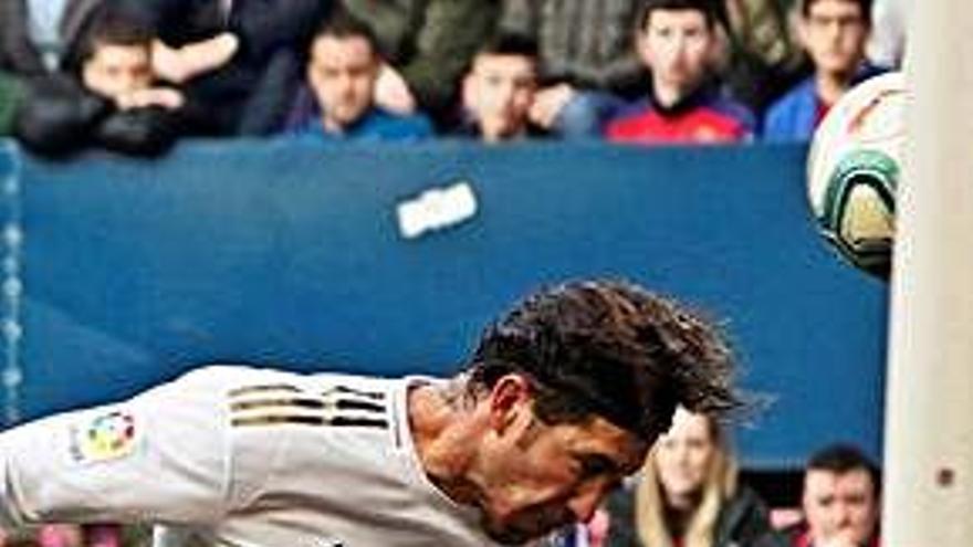 El Madrid de la lliga remunta un gol en fred i acaba golejant a Pamplona