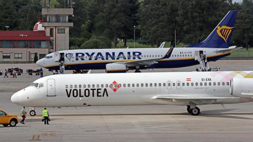 Volotea aterriza en Santiago y deja a Vigo como único aeropuerto gallego sin sus vuelos