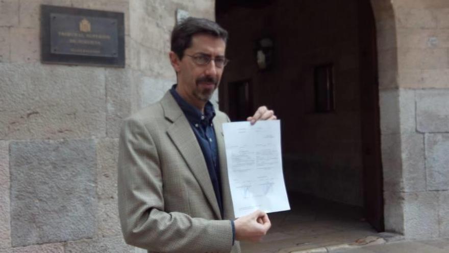 Navarro recoge su acta de diputado
