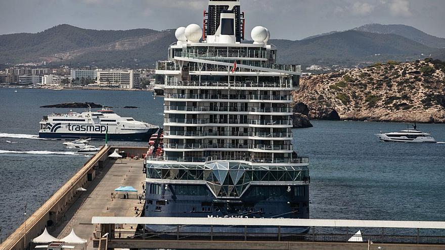 Ibiza cerrará el año con sólo 40 escalas de cruceros