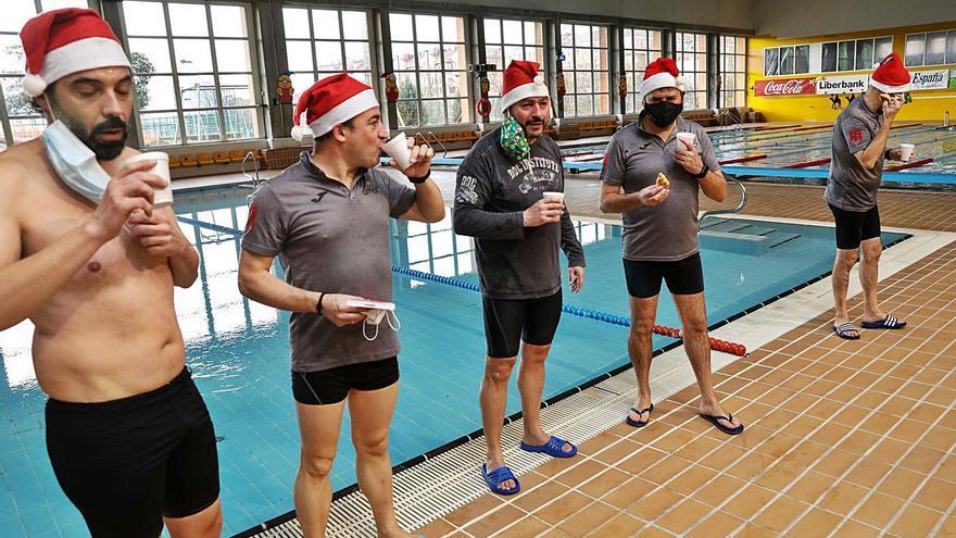 La Travesía de Navidad se cierra con éxito en las piscinas de Gijón