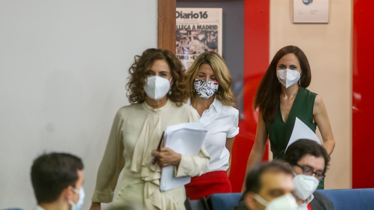 Las ministras María Jesús Montero, Yolanda Díaz e Ione Belarra