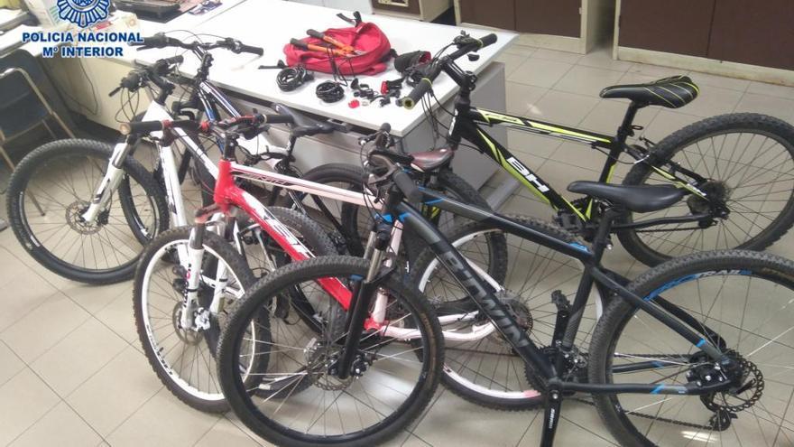 Detenido un menor por el robo de cinco bicicletas en la zona oeste de Gijón