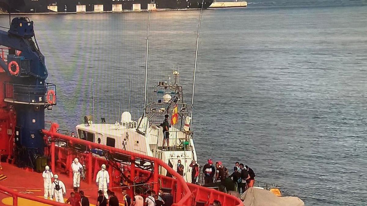 Interceptan 14 pateras con 184 personas a bordo cerca de las costas de la Región