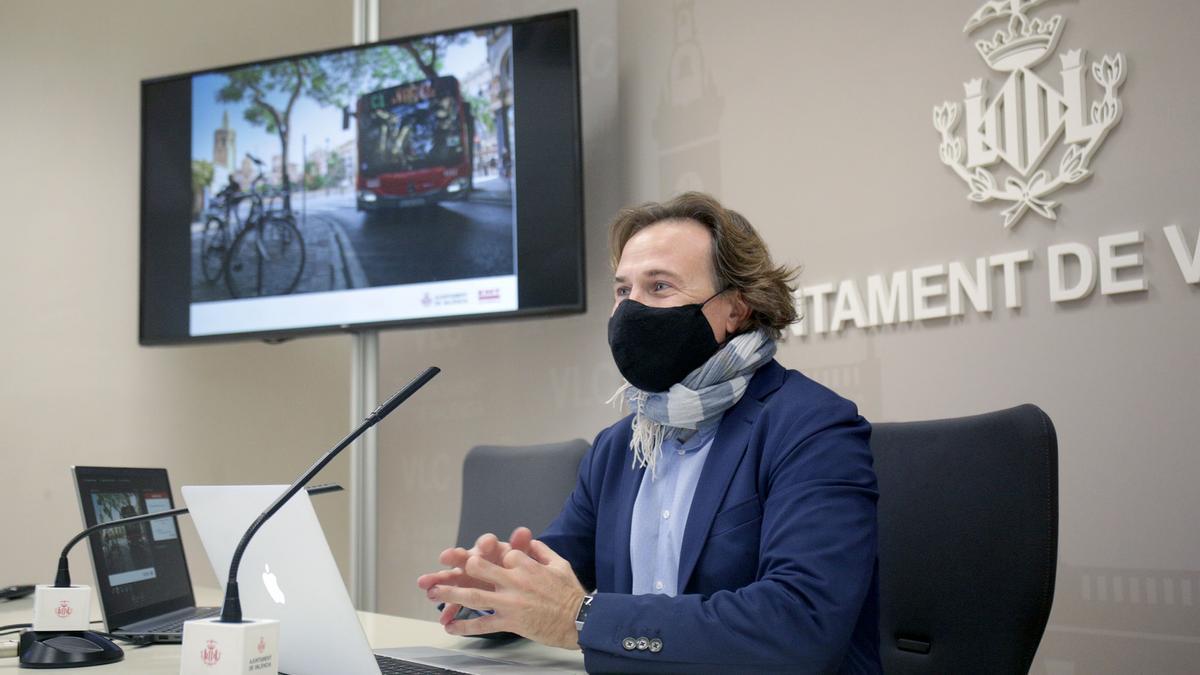 Imagen de archivo del concejal de Movilidad Sostenible y presidente de la EMT, Giuseppe Grezzi