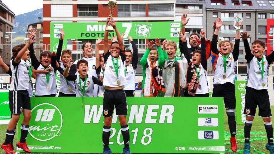 Una desena de clubs gironins competiran a la 17a edició del MICFootball7 a Andorra aquest cap de setmana