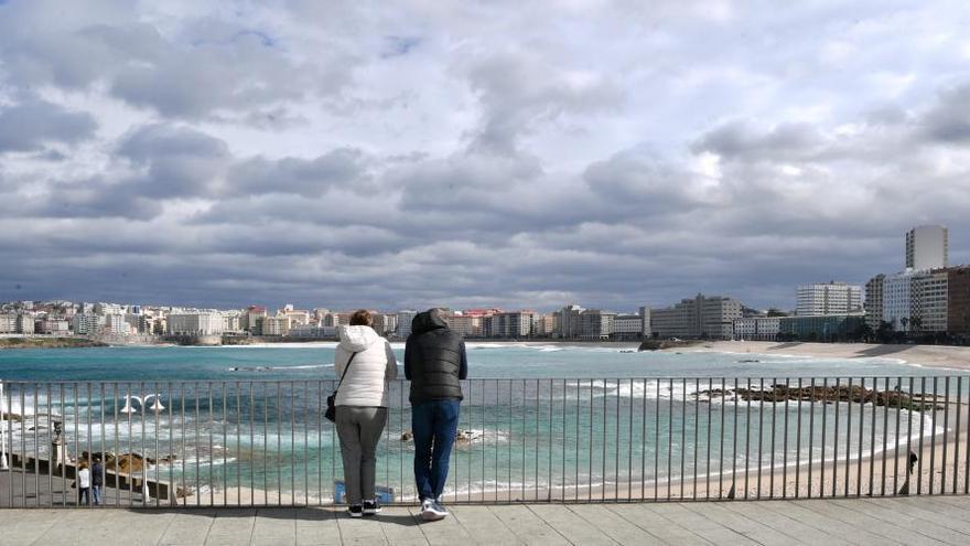 La lluvia persiste mientras bajan las máximas en Galicia