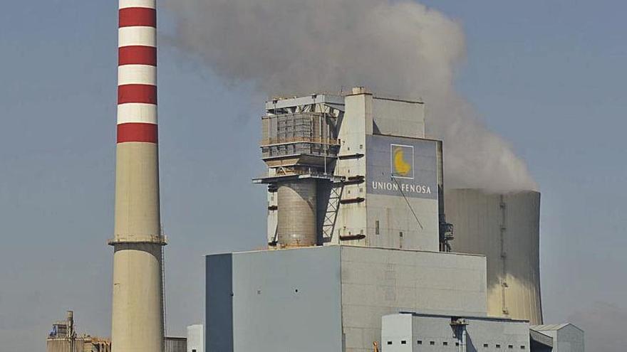 Vista de las instalaciones de la central de Meirama. |   // CARLOS PARDELLAS