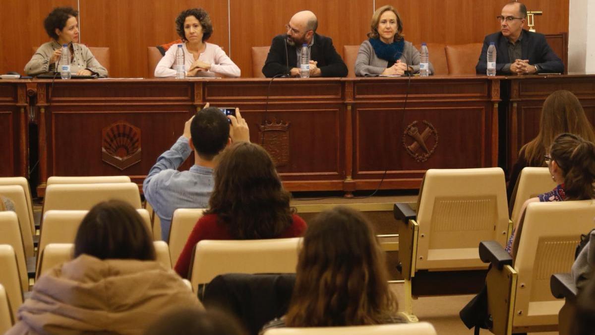 Un seminario sobre la India en la UCO aborda el papel de las mujeres surasiáticas en el arte