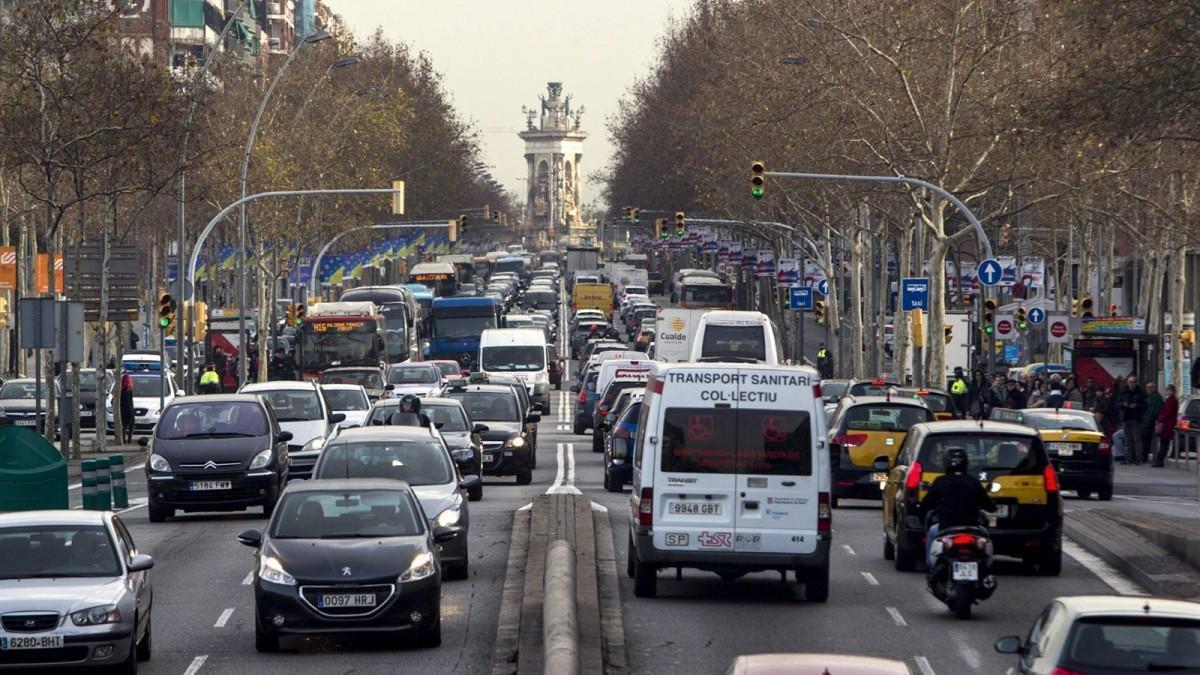 El coronavirus arrasa el mercado automovilístico y el de motos con caídas del 96,5% y del 93%, respectivamente