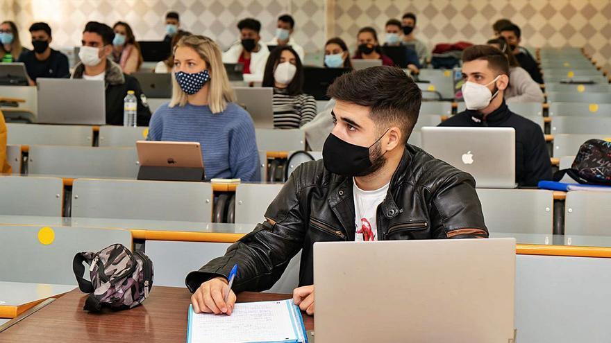 Los estudiantes de la UMA vuelven este lunes al sistema de clases bimodal