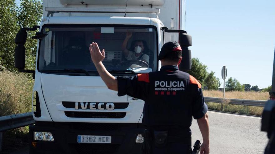 La Generalitat no descarta confinar en sus casas a los vecinos de Lérida