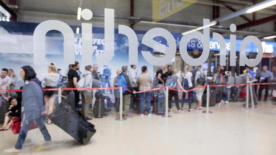 La insolvente Air Berlin dejará  de volar a partir de noviembre
