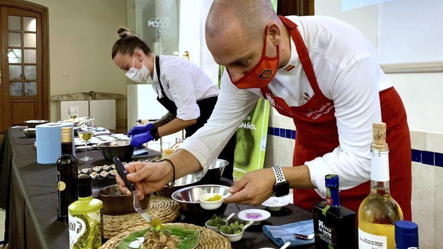 El chef Daniel García Peinado muestra cómo usar el aove en cocina