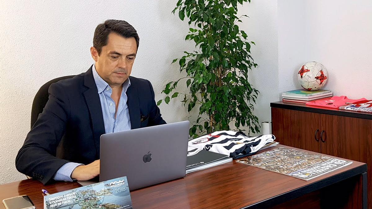 Jordi Bruixola, en su despacho del Estadio Castalia.