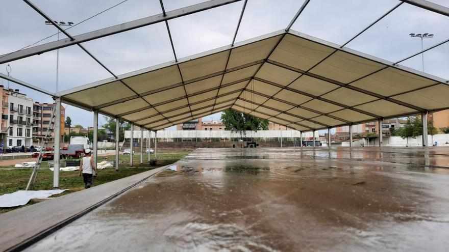 Figueres instal·la un envelat per als concerts del camp del Far
