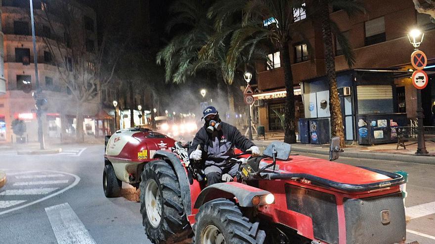 Los municipios de la provincia de Alicante retoman la desinfección masiva contra el virus