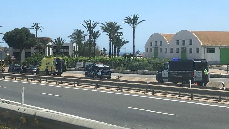Un accidente múltiple dificulta el tráfico para entrar en Águilas