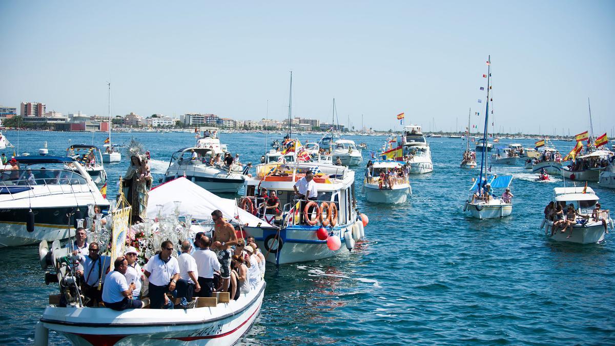 Procesión marítima de la Virgen del Carmen.
