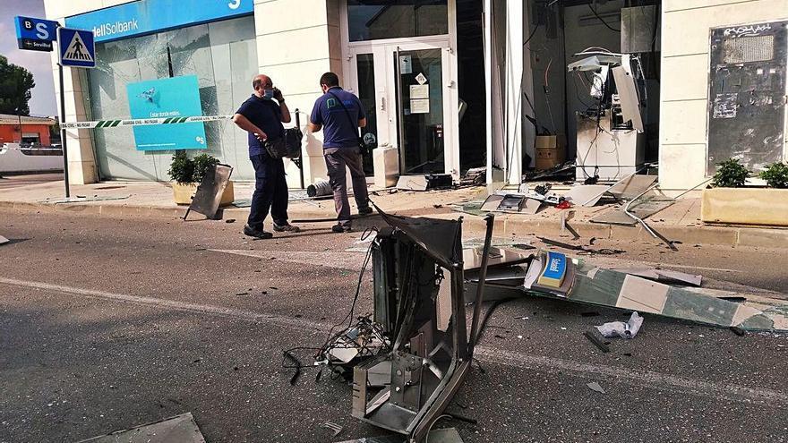 Revientan el segundo cajero con explosivo en semana y media y se llevan 15.000 euros