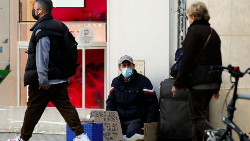 Tres de cada diez valencianos está en riesgo de pobreza en pandemia