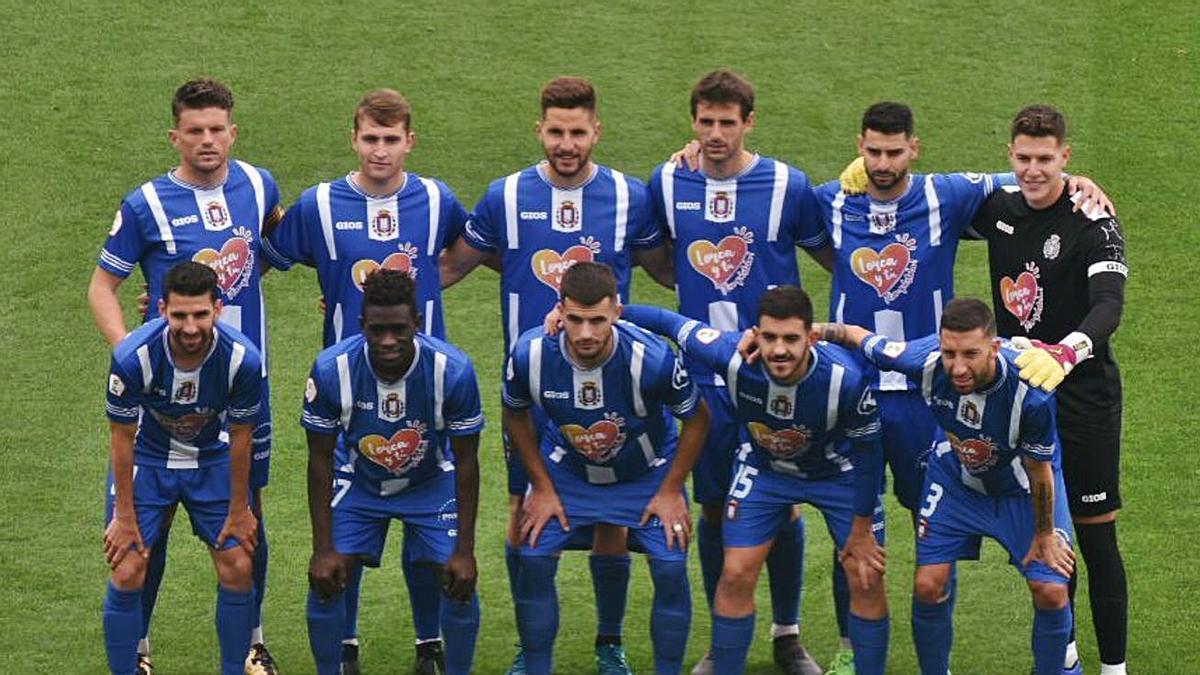 Once titular utilizado ayer por el Lorca Deportiva.     L.O.