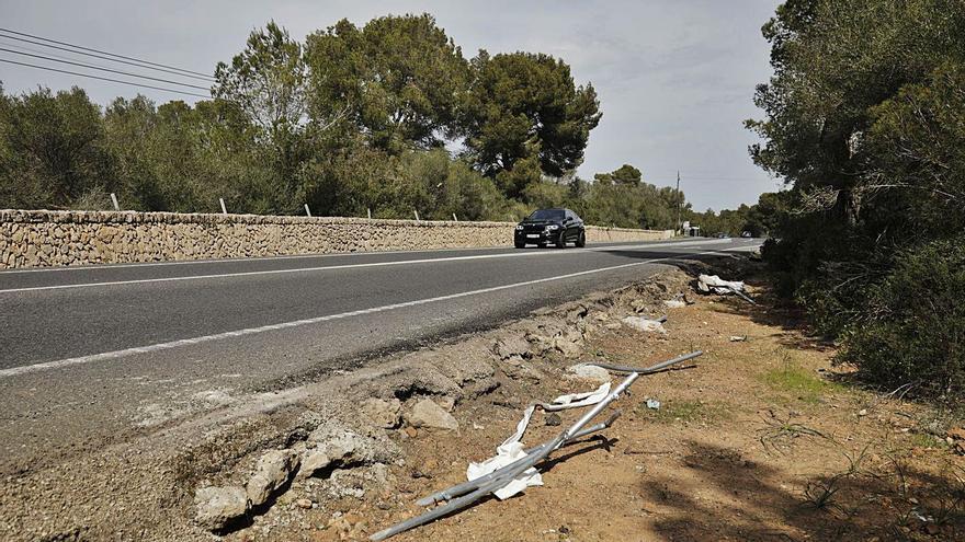 Muere un joven de 29 años al salirse de la carretera y volcar su coche en Cala Blava