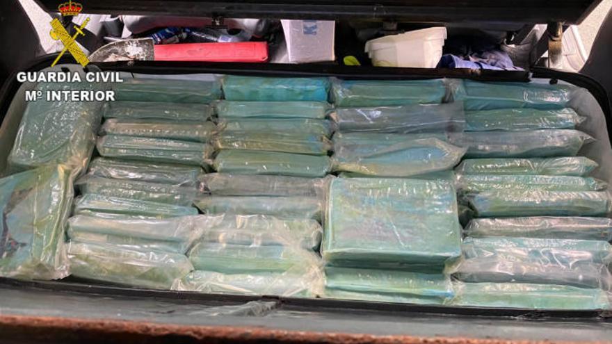 Viaja de Huelva a Gran Canaria con 57,55 kilos de cocaína en un vehículo