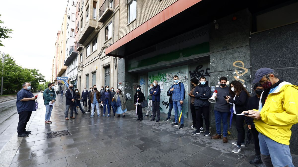 Concentración este jueves contra las casas de apuestas en Zaragoza.