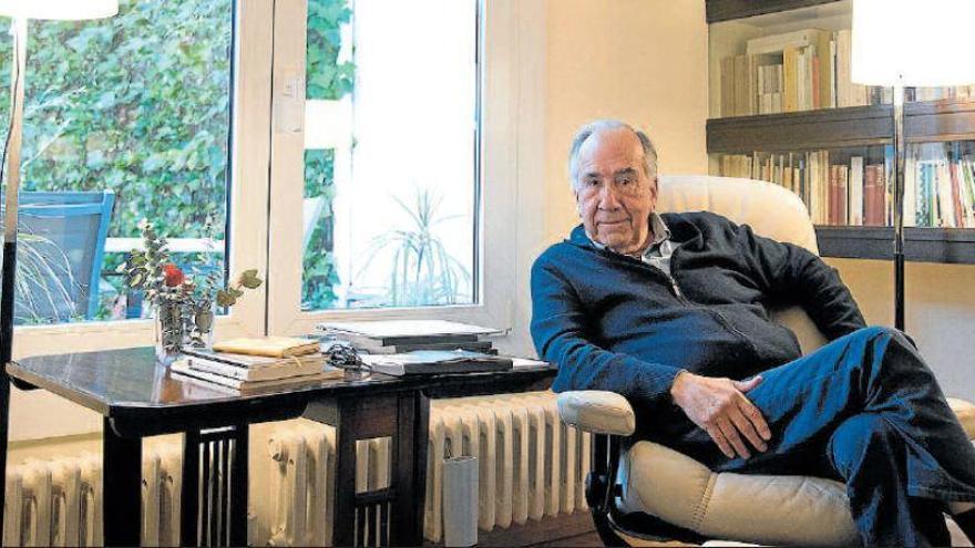 Muere Joan Margarit, el poeta más popular