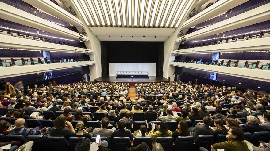 El Cor de la Generalitat pone en duda su continuidad y amenaza con una huelga